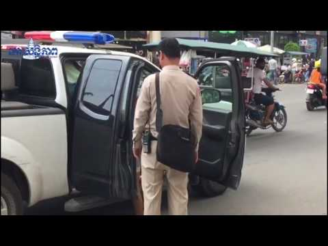 Phnom Penh, Cambodia: British Clive C. arrested on charges of child molestation. (3)