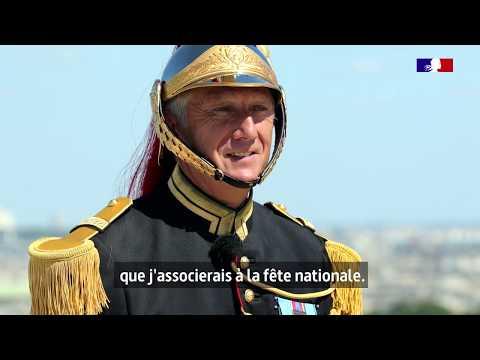 #14Juillet Après 34 défilés, le trompette-major mène une dernière fois la fanfare de cavalerie