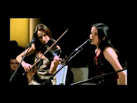The Corrs  Everybody Hurts UNPLUGGED  Amazing version of the REM Song