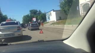 В Пензе машина ГИБДД врезалась в учебный автомобиль