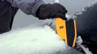 Frustrated from scratching your car while removing your snow? Making any progress brushing snow with clogged bristles? Watch this video to learn how the True Temper® Scratch-Free Snow Brush is the right solution for you this winter! For more information, click here: http://bit.ly/TTScratch-FreeSnowBrush Developed with durable EVA foam used in car washes, this brush clears snow without scratching surfaces and eliminates clogged and frozen bristles of traditional brushes. The unique head design clears tight spaces around wiper wells and mirrors. Easily remove ice with the scraper while enjoying comfort from the elliptical handle and cushion grip.