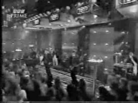 Gary Barlow - Love Won't Wait (Live TOTP)