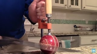 What's inside a Cricket Ball?