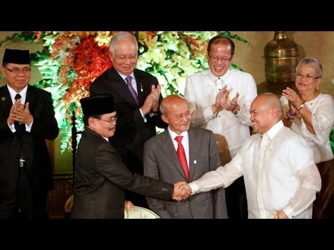 Mosaic News - 10/15/12: Philippines, Muslim Separatists Sign Preliminary Peace Pact