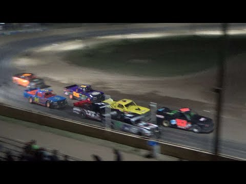 Pro Truck Feature Race at Crystal Motor Speedway, Michigan, on 08-11-2018!