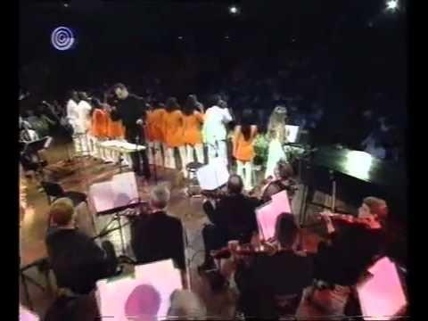 שלמה גרוניך ומקהלת שבא - שיר ישראלי