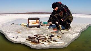 Рыбалка на поплавок весной в глухозимье. Ловим по последнему льду в деревне Давыдовки.