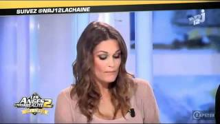 Repeat youtube video Virginie Caprice montre ses seins