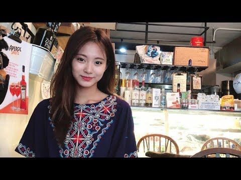 TZUYU GOT REALLY EXCITED WHILE..