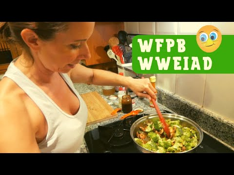 WFPB What We Eat In A Day + How To Cut a Mango