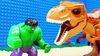 lego-hulk-dinosaur
