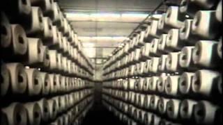 На прядильной и ткацкой фабрике