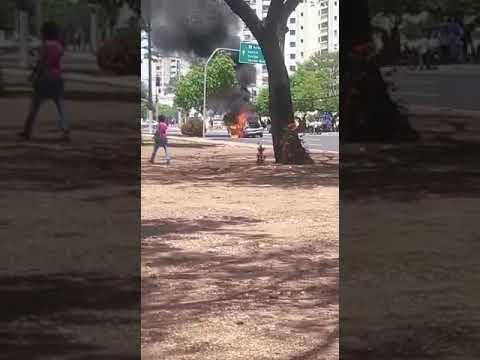 Carro pega fogo na av do CPA 3