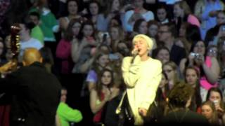 Repeat youtube video Miley Cyrus Bangerz Tour Soundcheck- Summertime Sadness