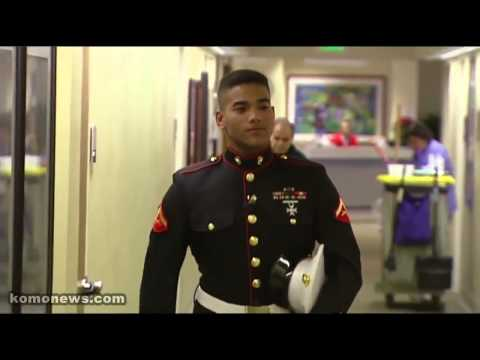 Marine Returns Home For Christmas Very Touching