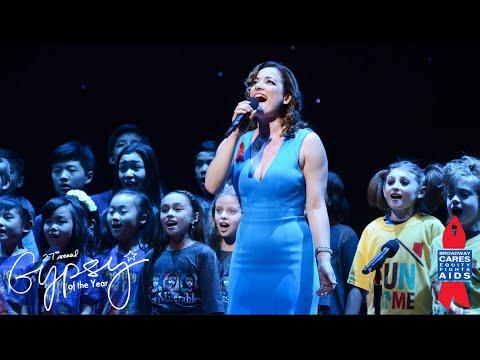 Broadway Stars Sing Live