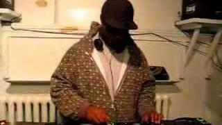 Baixar DJ SPOOKY MIXING 4 D.A.N TV