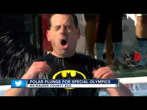 Hundreds take polar plunge for Special Olympics Wisconsin