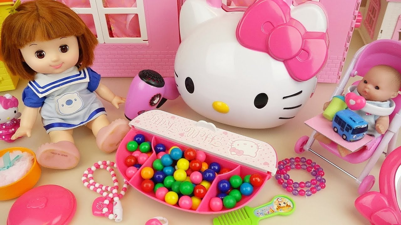 Hello Kitty and baby doll jewelry hair shop bag play baby Doli house