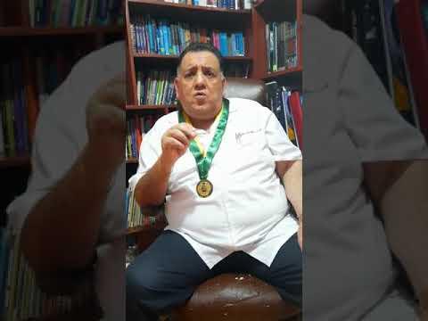 Homenaje del secretario general al Dr. Hipólito Chaina Contreras