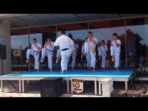 Kiara karate bemutatója