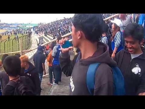 Detik-detik tawuran supporter PSIM antara Brajamusti-Themaident (PSIM vs PSCS)