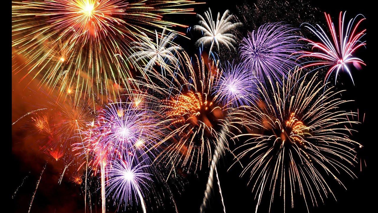 Sparkling NYE fireworks at Marina del Rey in LA