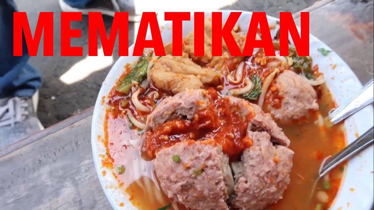 Makan Cabe Pakai Bakso Bakso Karmel Lembang Bandung Youtube