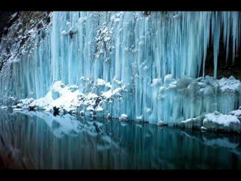 Обои   Замерзшие водопады