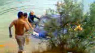 Чернигов, затонувшая Chevrolet Aveo(25.06.10 на Голубых озерах укатилась в воду Chevrolet Aveo., 2010-06-28T10:55:09.000Z)