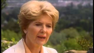 Eva Lind im Gespräch mit Christiane Hörbiger 2004