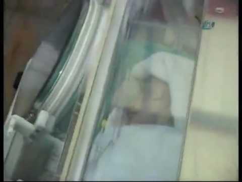 14 günlük Azra bebek enkazdan böyle çıkarıldı
