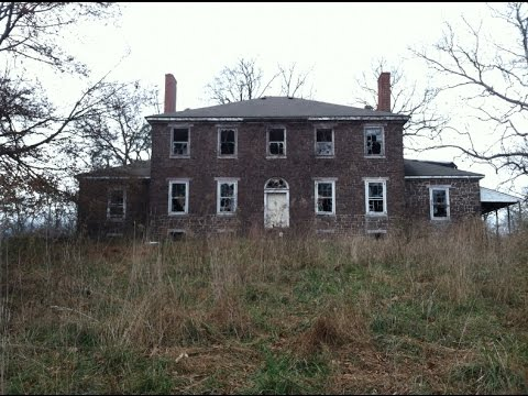 Exporing a Scary US$15,000,000 Abandoned Estate