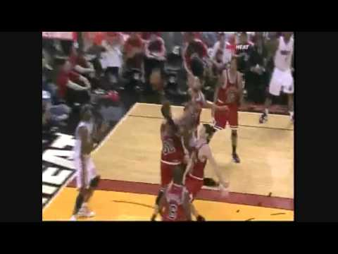Kirk Hinrich gets ejected vs Heat 3-12-10
