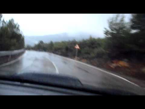 Faemino y Cansado en un Subaru en el Coll de Muelas