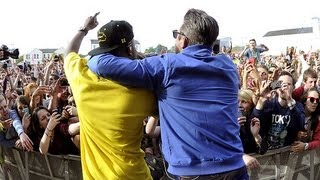 Dizzee Rascal & Robbie Williams - Going Crazy at Radio 1's Big Weekend