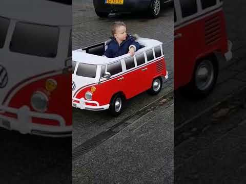 elektrische kinderauto vw bus t1 2 persoons rood youtube. Black Bedroom Furniture Sets. Home Design Ideas