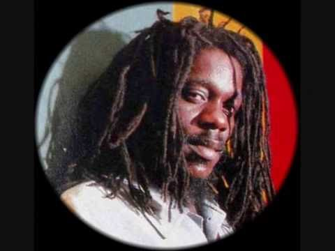 DENNIS BROWN & REGGIE STEPPER ~ I'M YOUR MAN ~ 12