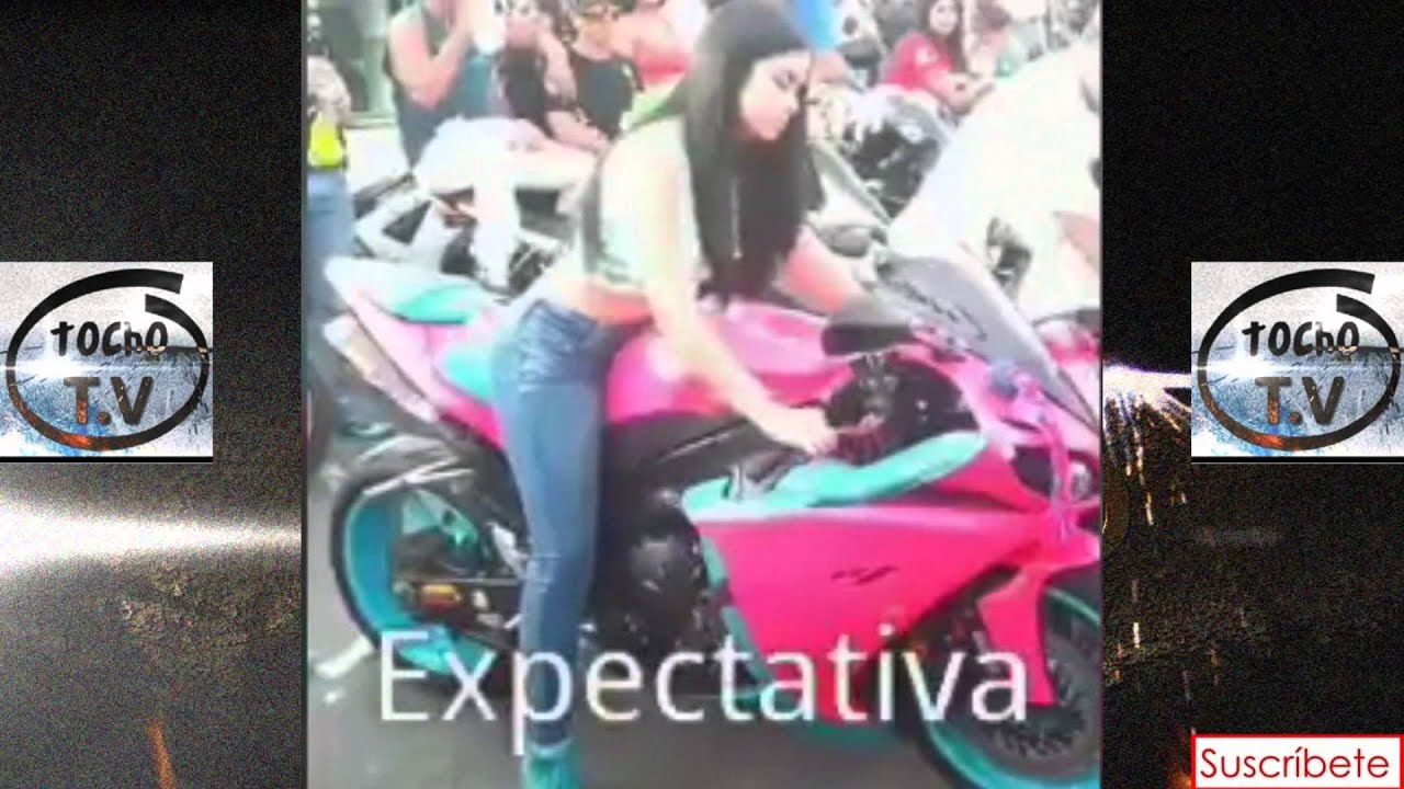 expectativa y realidad de como maneja una mujer una moto