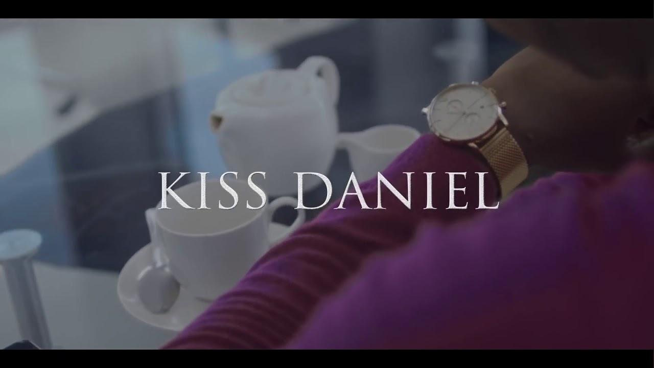 Download Mama kiss Daniel lyrics