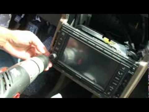 Como desmontar consola central (de la radio) del Dodge Journey - www.dgw.es - YouTube