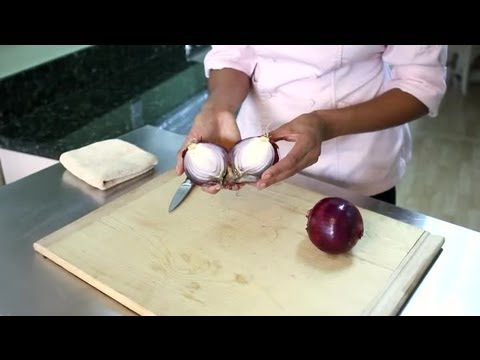 How to Tell if an Onion Is Rotten : Ripe & Fresh Fruits & Veggies ...