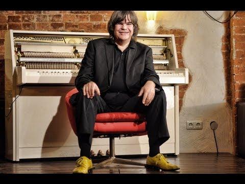 "AUF DEM ROTEN STUHL - Axel Zwingenberger ""Charlie Watts & Rolling Stones"""