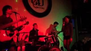 Nhạc sống cực chất hàng ngày ở Hà Nội - G4U (Guitar Cho Bạn