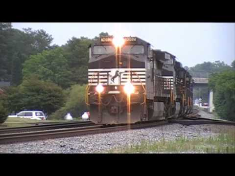Norfolk Southern 994 Makes Stop @ Burger King! as G5A Sneaks By in Austell,Ga 05-20-2010© (16x9)