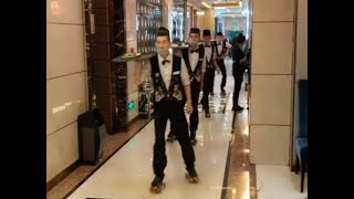 Chinese Hotpot Restaurant With Roller Skating Waiters