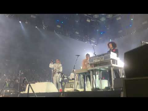 Arcade Fire - Everything Now/Wake Up/Outro @ Toronto, November 2017