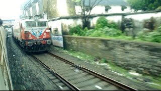 Mumbai Local Train Chasing And Overtaking The Gujarat Mail Express Train India 2015 [HD VIDEO]