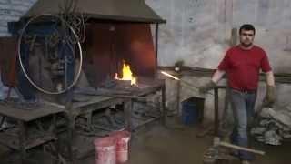Виктор Карп. Изготовление лестниц, заборов, кованных изделий(В этом видео вы узнаете как создают металлические изделия в Кузнице мастеров (г. Петрозаводск). Точный расп..., 2015-06-11T13:17:19.000Z)