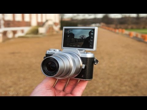 Unboxing Panasonic Lumix GF7